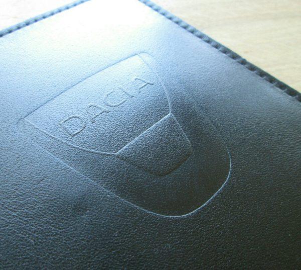 Обложка для прав с логотипом Dacia